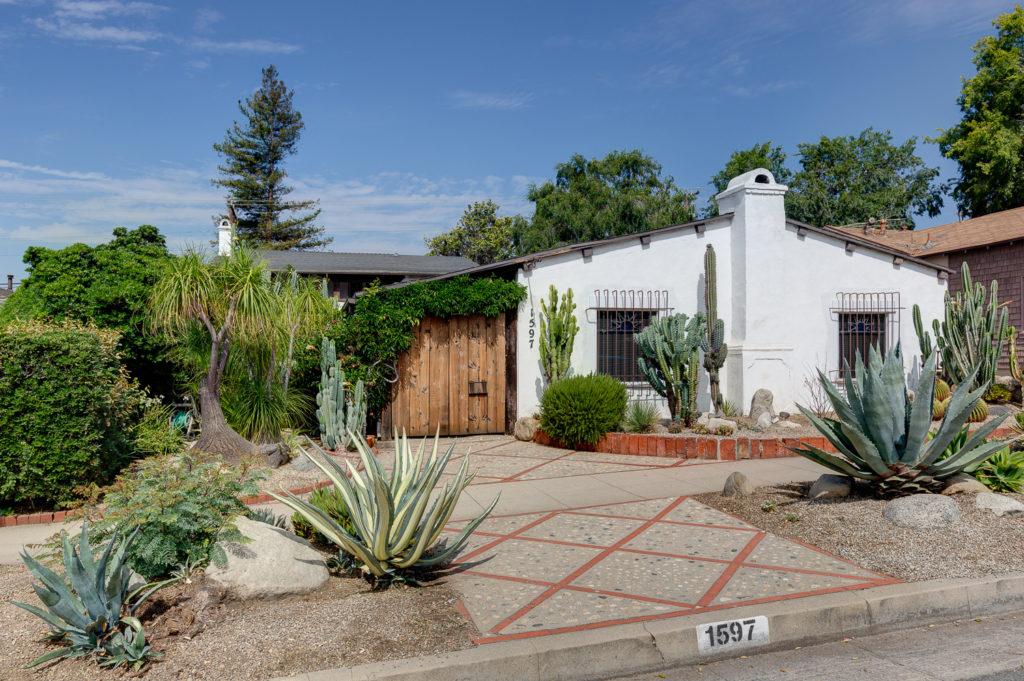 1597 North Altadena Drive, Pasadena